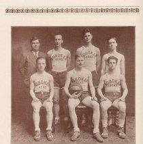 Image of pg 40: photo basketball team