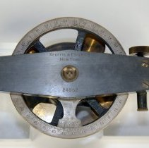 Image of top view: level bar with K&E name, serial number; horizontal limb