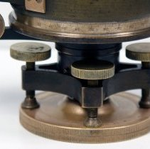 Image of side view detail leveling mount and vernier