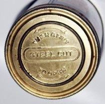 Image of top / screw off lid