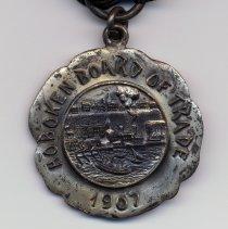 Image of detail medal front