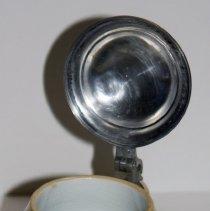 Image of lid open