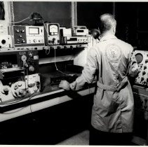 Image of B+W photo of electronics test in screen room at United States Testing Co., Hoboken. N.d., ca. 1970s or 1980s. - Print, Photographic