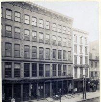 Image of 02 New York City - 76 Duane Street, warehouse / salesroom exterior
