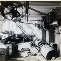 Image of 20 Newark interior, power belts and pulleys