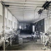 Image of 25 Newark interior, bag frame manufacturing