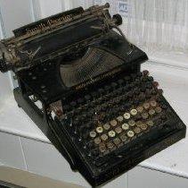 Image of 1990.96.2 - Typewriter