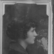 Image of Unidentified woman; Jewell Studio