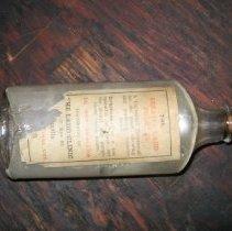 Image of 2009.10.1 - Bottle