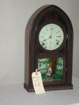 Image of Brown Shelf Clock