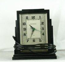 Image of Clock, Shelf - 79.96.144