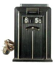 Image of Warren Telechron shelf clock