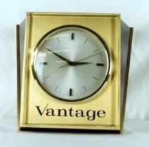 Image of Clock, Shelf - 84.5.1
