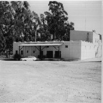 Image of 1973.6.12 - Collection of Hedgeside Winery and Distillery