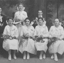 Image of 1982.33.1b - Graduates of Salvador School