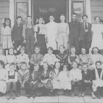 Image of 1985.9.25 - Class photograph from unknown school in Napa