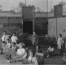 Image of 1990.52.1 - Lincoln Elementary School class