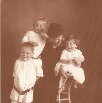Image of 1990.66.2 - Dunlap Family