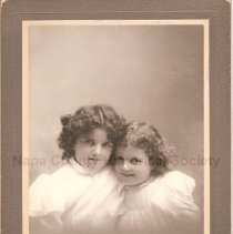 Image of Bessie and Janet Baine