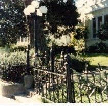 Image of 2011.36.29 - Iron Fence outside 319 Randolph St.