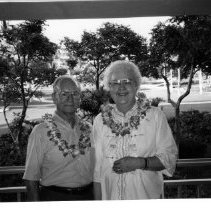 Image of 2012.20.14 - Cliff and Helen Heron in Hawaii @ 1996.