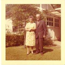 Image of 2012.20.67 - Couple in Garden