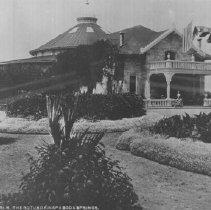 Image of 2013.2.147 - The Rotunda and garden at Napa Soda Springs