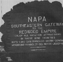 "Image of 1979.21.14a - Sign ""Napa Gateway to Redwood Empire"""