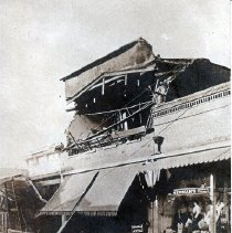Image of 2013.2.31 - Earthquake damage to Newman's Men's Furnishings on Main St.