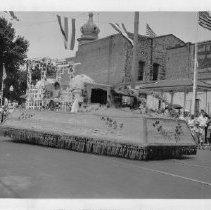 Image of 1981.43.9n - Downtown Napa Parade