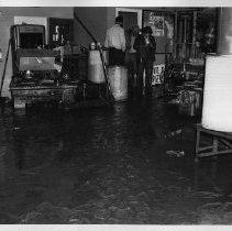 Image of 2006.22.7 - Napa Flood of 1963 at Water St.