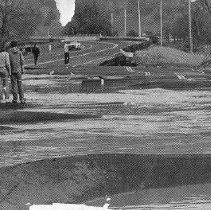 Image of 2011.61.1717 - Napa Flood of 1985 at Yountville Cross Road.