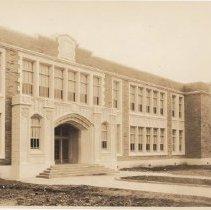Image of 2013.15.12 - Lincoln Grammar School Building