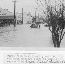 Image of 2014.2.195 - Napa Grocery During the 1940 Flood