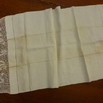Image of 1986.24.3b - Linen Hand Towel