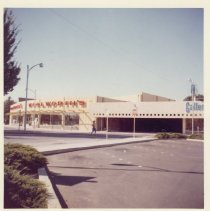 Image of 2012.68.25.34 - Woolworth's, Napa, September 30, 1962