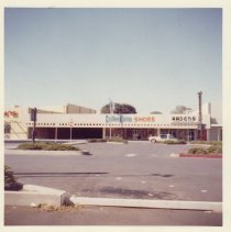 Image of 2012.68.25.35 - Woolworth's, September 30, 1962
