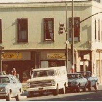 Image of 2012.68.25.86 - Sal's Barbershop, March 16, 1981
