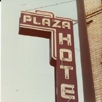 Image of 2012.68.20.66 - Plaza Hotel, November 3, 1980