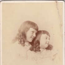 Image of 2015.32.6 - Portrait of Claire and Ruth Goodman as children