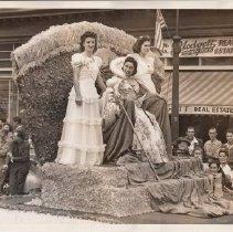 Image of 1980.42.28 - Queen Virginia Vartanian in a Napa Parade