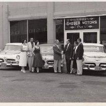 Image of 1989.31.74 - Jones family buying a 1956 Chrysler