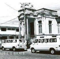 Image of HOPE vans arriving at Hospital Infantile a private hospital