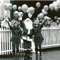 Image of Santa (Joe Giacalone & Helpers, Judy Ketcheson & Luce Trotter