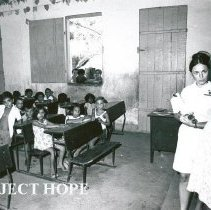 Image of Marilyn Reynolds, Public Health Nurse, visiting a school in Maceio.