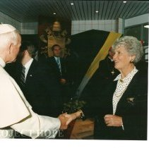 Image of John Paul II with Mrs. Walsh