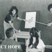 Image of Ana Alegria teaching at Mannucci School in Trujillo, Peru.