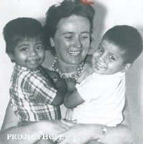 Image of Jean Le Brocquy with Project HOPE in Guayaquil and Quito, Ecuador.