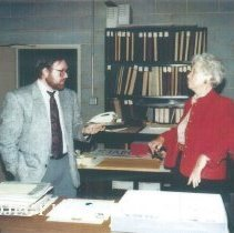 Image of Chuck Hill and Helen Walsh at 1991 Alumni Board Meeting
