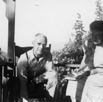 Image of Ernie and Pat Cotton on porch